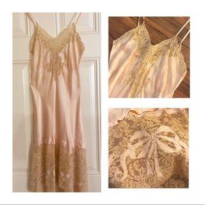 💫1940's Vintage Silk Slip with Ecru Lace, XS/S 💫